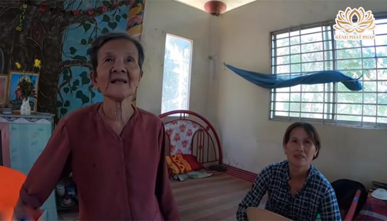 Bà lão tóc dài 4m chết 7 ngày sống lại kể chuyện đã gặp được thượng đế