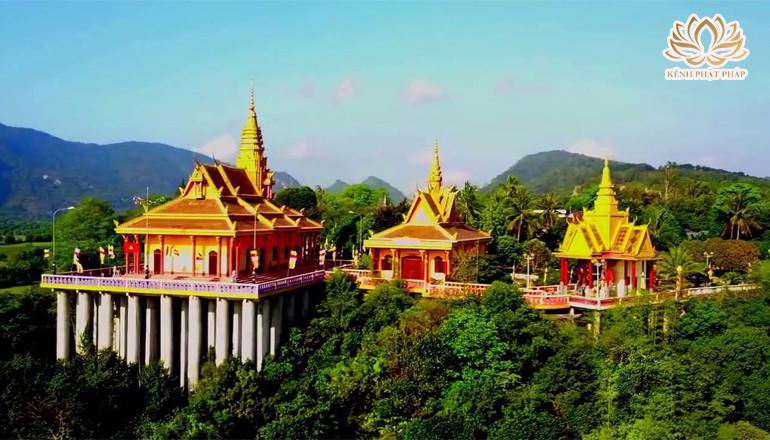 Chùa Tà Pạ Khmer trên núi độc đáo ở An Giang