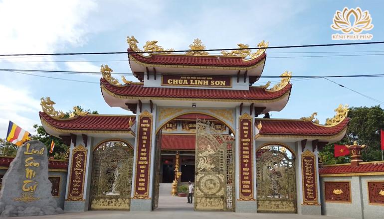 Chùa Linh Sơn điểm điểm tâm linh nổi tiếng ở trên đảo Phú Yên