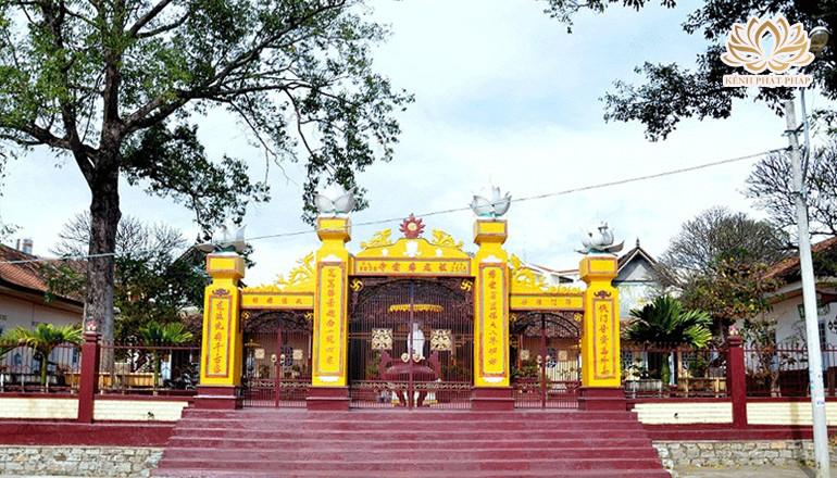 Chùa Bác Ái - Ngôi chùa cổ lâu đời nhất của Kon Tum
