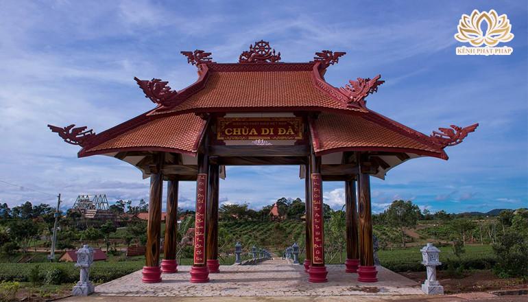 Chùa Di Đà - Ngôi chùa lớn nhất của xứ sở sương mù