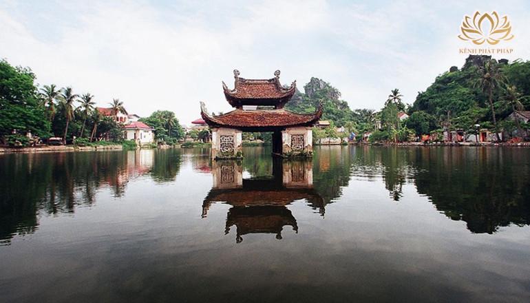 Chùa Thầy có khung cảnh thanh tịnh ngay giữa lòng thủ đô Hà Nội