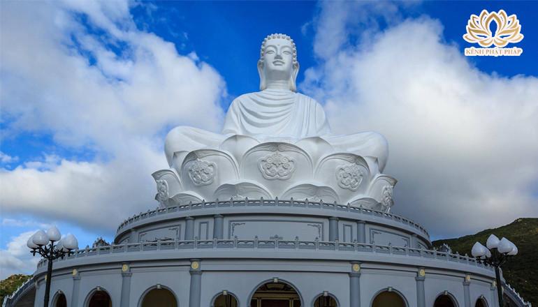 Chùa Ông Núi nơi có tượng Phật ngồi lớn nhất Đông Nam Á tại Bình Định