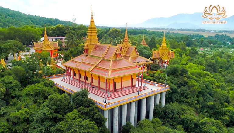 Tà Pạ ngôi chùa 'tiên cảnh trên không' độc đáo ở An Giang