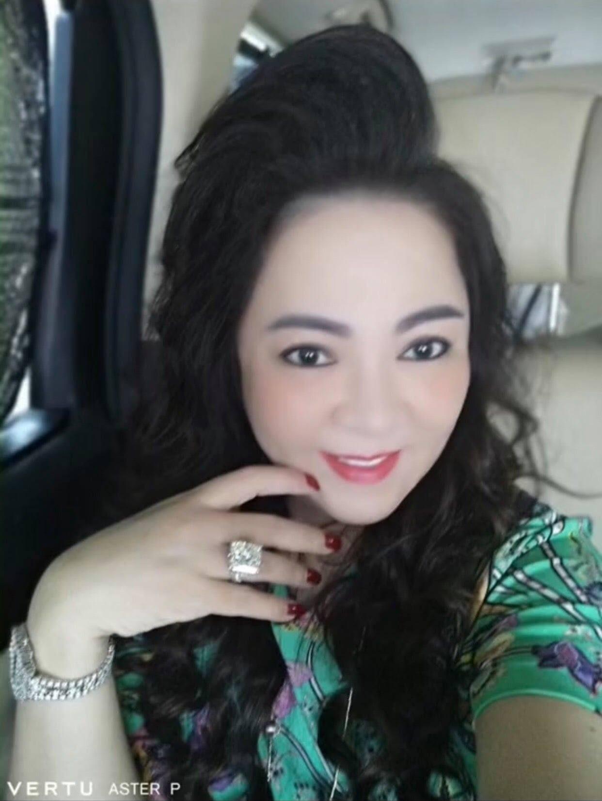 Nguyễn Sin tới thẳng biệt thự, tố bà Hằng di chuyển bằng xe cấp cứu từ Bình Dương lên Sài Gòn để livestream - Hình 6