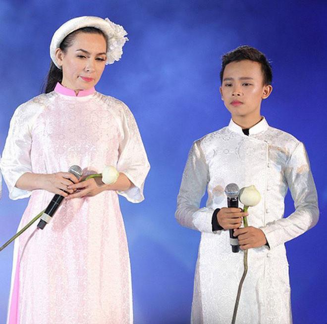 Bầu show hải ngoại tiết lộ thông tin bất ngờ về cát-xê của Hồ Văn Cường khi đi lưu diễn - Hình 1