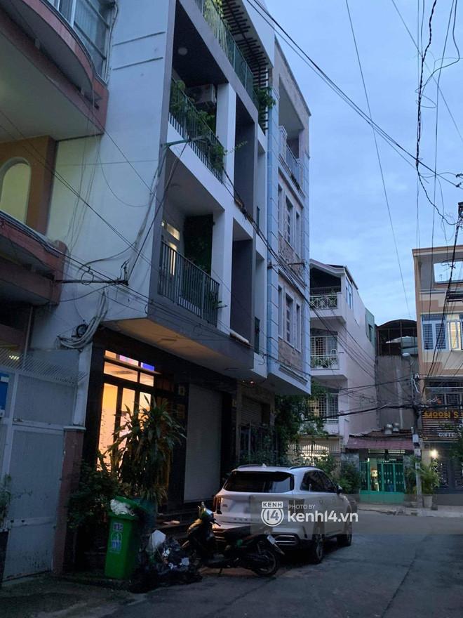Ảnh độc quyền: Sau khi nhận toàn bộ tiền cát xê, tối 11/10 gia đình Hồ Văn Cường có còn ở nhà Phi Nhung? - Hình 2