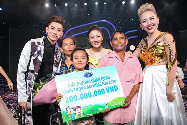 200 triệu của Hồ Văn Cường: Phi Nhung bảo gà, quản lý nói vịt - Hình 2