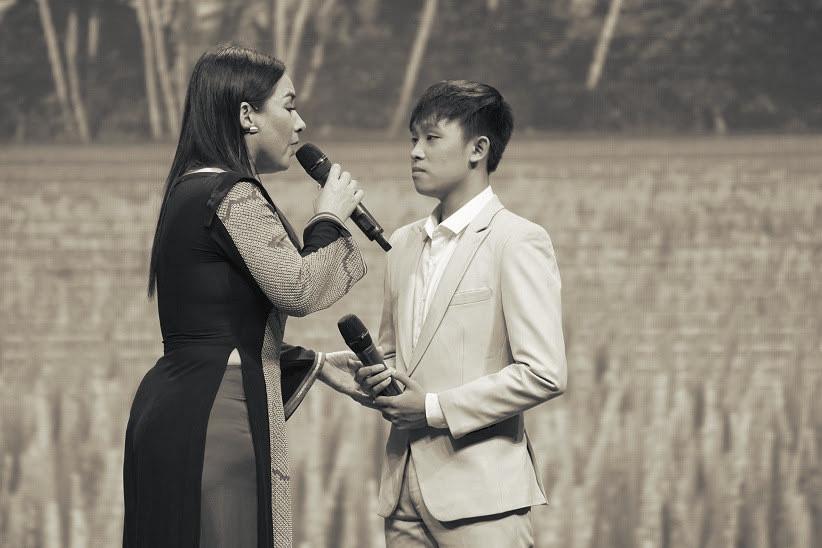 Khán giả nhắc đừng triệt đường sống của Hồ Văn Cường, quản lý Phi Nhung phản hồi thế nào? - Hình 1
