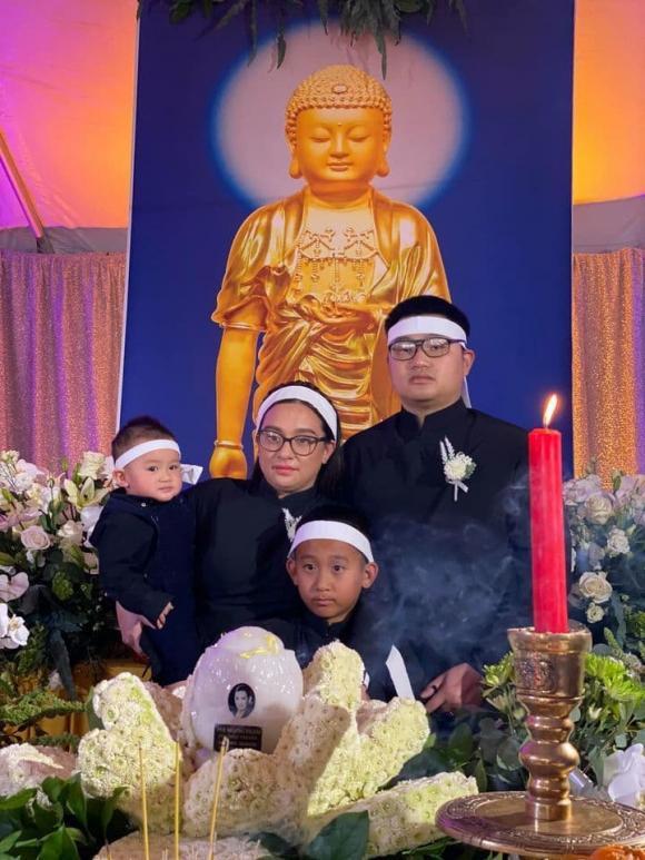 Con gái ruột Phi Nhung nói lời cảm tạ, rất xúc động vì 1 điều sau tang lễ của mẹ - Hình 4