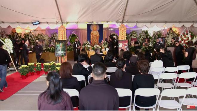 Con gái ruột Phi Nhung nói lời cảm tạ, rất xúc động vì 1 điều sau tang lễ của mẹ - Hình 9