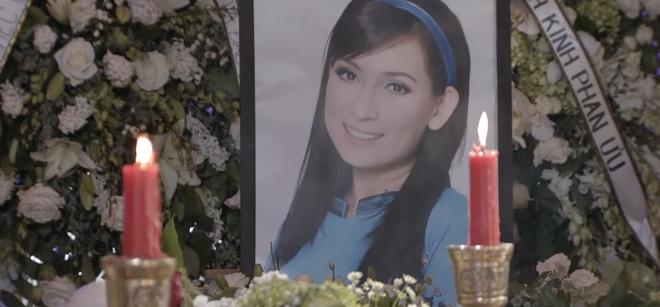Con gái ruột Phi Nhung nói lời cảm tạ, rất xúc động vì 1 điều sau tang lễ của mẹ - Hình 6